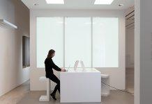 Zumtobel setzt mit seinen innovativen LED-Lichtlösungen auf die neueste Drahtlostechnologie LiFi. Foto: Zumtobel