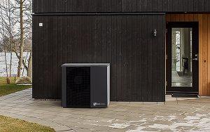 Sorgt für ein angenehmes Klima – CO2-frei Heizen und Kühlen mit der alira NP-AW 20. Fotos: alpha innotec
