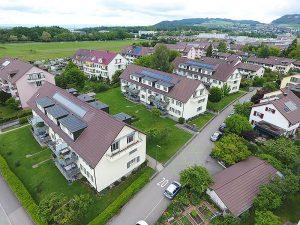 Baugenossenschaft Berna. Mit den neuen Kollektoren von Oertli konnte die solarthermische Leistung bei gleichbleibender Fläche deutlich gesteigert werden. Foto: zvg
