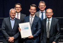 Aron Dimitri Schmied gewinnt mit einem neuem Ansatz bei der Partikeltrennung den regionalen Siemens Excellence Award. Foto: zvg