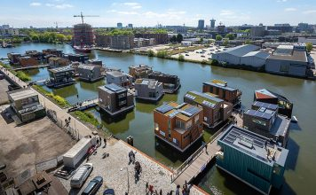 Die Wassersiedlung im Norden von Amsterdam ist seit September 2019 komplett. Foto: Isabel Nabuurs