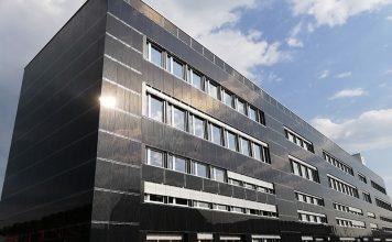 K3 Handwerkcity - Aussenansicht der Solarfassade, Foto: Daniele Bernasconi, IngEne Sagl
