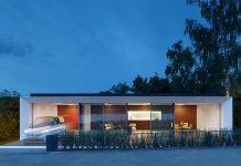 Prototyp für das neue Stadtquartier ist das von Werner Sobek entwickelte modulare Expertimentalgebäude B10 – das erste Aktivhaus der Welt. Es erzeugt dank eines ausgeklügelten Energiekonzepts und einer selbstlernenden Gebäudesteuerung das Doppelte seines Energiebedarfs aus nachhaltigen Quellen selbst. B10 stand mehr als 5 Jahre lang in der Stuttgarter Weissenhofsiedlung. Foto: Zooey Braun