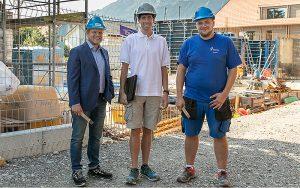 V.l.n.r.: Roland Messerli, (Verkauf-Aussendienst, R. Nussbaum AG), Christian Roth (Projektleiter Sanitär, U. Hauenstein AG), Mario Bärfuss (Bauleitender Sanitärmonteur, U. Hauenstein AG).