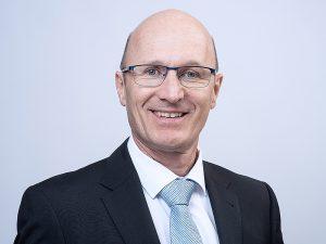 Peter Arnet wird das Kompetenzzentrum für smarte E-Mobilitätslösungen bei er BKW aufbauen. Foto:zvg