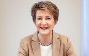Bundesrätin Simonetta Sommaruga hat das Patronat für den Prix Lignum 2021 übernommen. Foto: Beat Mumenthaler
