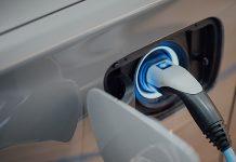 www.ich-tanke-strom.ch/kennzahlen zeigt die Entwicklung der öffentlichen Ladeinfrastruktur für Elektroautos in der Schweiz. Foto: Chuttersnap/Unsplash