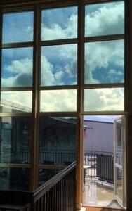 Die Wirkung von elektrochromen Fenstern. Foto: Chromogenics AB