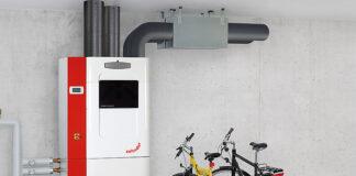 Die neue Zehnder ComfoBox vom Schweizer Raumklimaspezialisten Zehnder vereint Sole-Wasser-Wärmepumpe und Lüftungsgerät in einer kompakten Energiezentrale. Dadurch wird die gesamte Haustechnik für eine Wohneinheit abgedeckt. Foto: Zehnder Group Schweiz AG