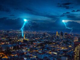 Der Blitz-Informationsdienst von Siemens (BLIDS) registriert die Daten von sogenannten Erdblitzen. Foto: Yarenci HDZ/Unsplash